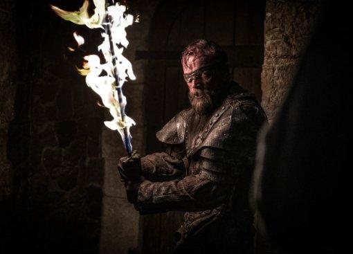 Самые крутые сцены 3 серии 8 сезона «Игры престолов» вгифках