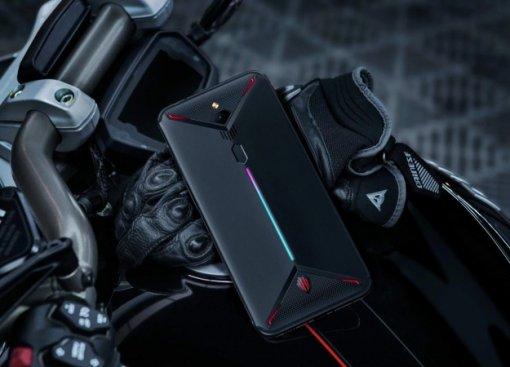 ZTE представила новый игровой смартфон Nubia Red Magic3. Внего уместили активное охлаждение