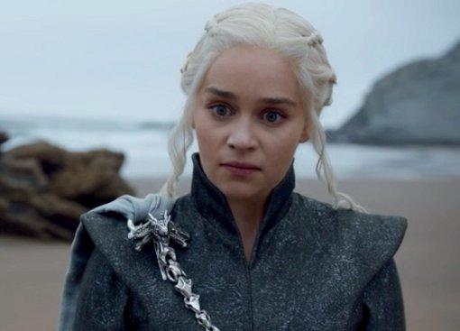 Фанат «Игры престолов» требует нового 8 сезона сдругими сценаристами. Петицию подписывают тысячи