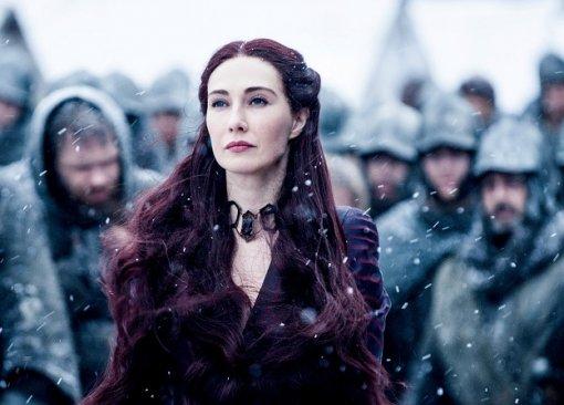 Мелиссандра из«Игры престолов» показала, как еегероиню состаривали для сериала