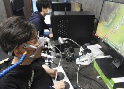 В Японии пройдет турнир для инвалидов на контроллерах, которые управляются дыханием