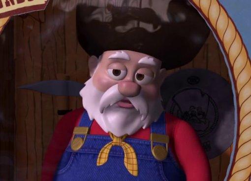 Из «Истории игрушек 2» вырезали сцену с Вонючкой Питом и куклами Барби. И тут виноват харассмент?