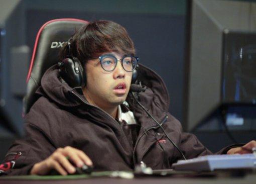 «Твой папаша— белая свинья?» Китайского про-игрока поDota 2 обвинили врасизме