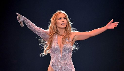 Дженнифер Лопес выступила с ярким концертом в Москве. Репортаж из соцсетей
