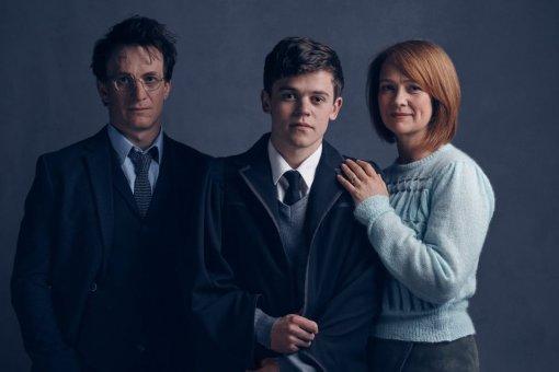 Джоан Роулинг намекает начто-то по«Гарри Поттеру иПроклятому дитя»