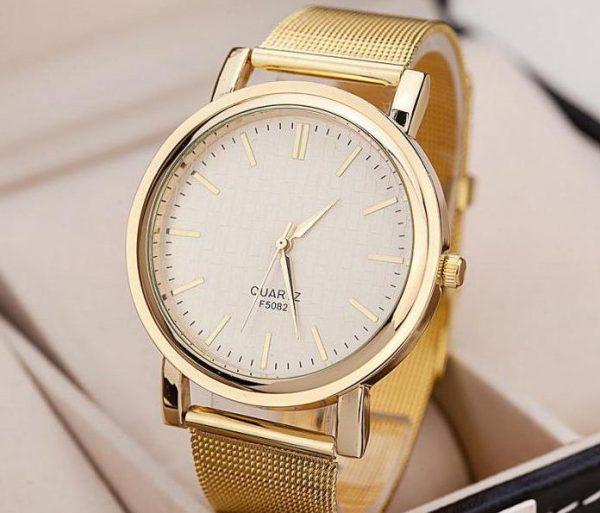 Оригинальные изысканные золотые часы