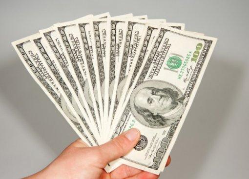 Руководитель команды установил правило: каждый намусоривший игрок заплатит $250