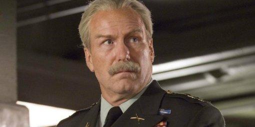 На съемках «Черной вдовы» заметили Уильяма Херта. Он играет генерала Росса