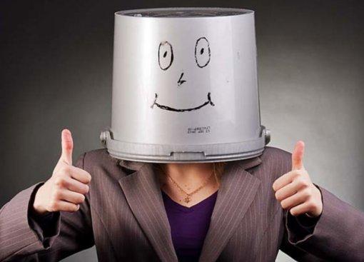 Что было самым странным на турнире по CS:GO в Нью-Йорке? Человек с ведрами на голове!
