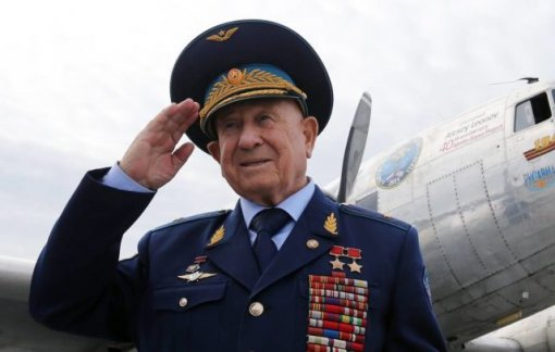 Умер космонавт Алексей Леонов. Онпервый человек, который вышел воткрытый космос