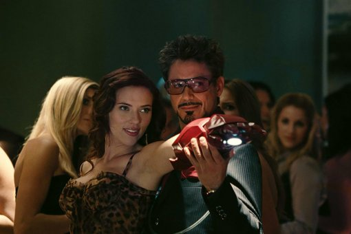 Всеть утек скриншот изтрейлера «Черной вдовы». Это Тони Старк?