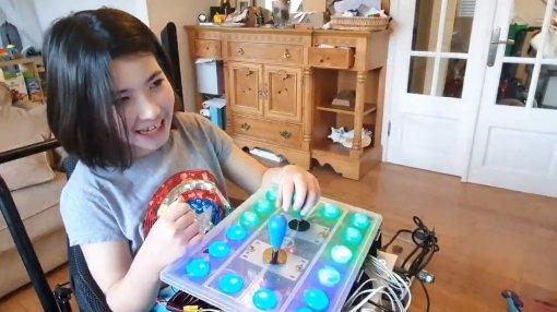 Отец собрал для больной девочки уникальный контроллер для видеоигр