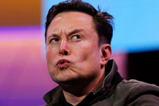Илон Маск считает ДТП опаснее коронавируса