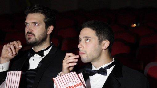 Как фильм, снятый на Zoom, стал самым кассовым в кинотеатрах США? Создатели сами выкупили все билеты