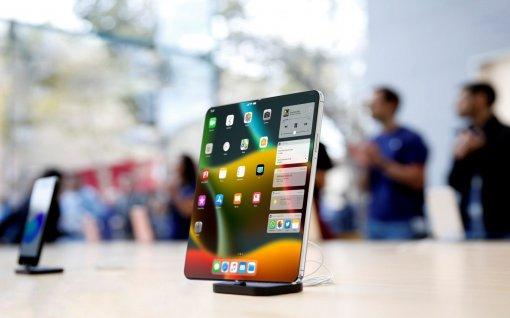 Инсайдер: складной iPhone уже вразработке, нораньше 2021 года его ждать нестоит