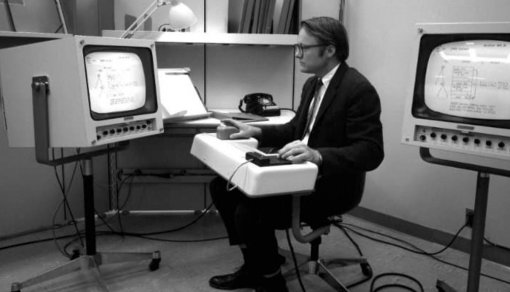 Умер конструктор первой компьютерной мыши