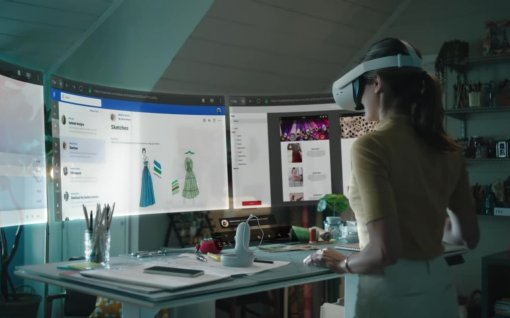Facebook показала Infinite Office. Программа позволит сидеть на удаленке виртуально