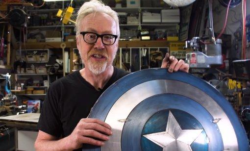 Адам Сэвидж из«Разрушителей легенд» проапгрейдил свой щит Капитана Америка
