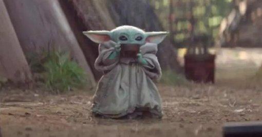 Необычная фигурка: Малыш Йода в образе Пинхеда