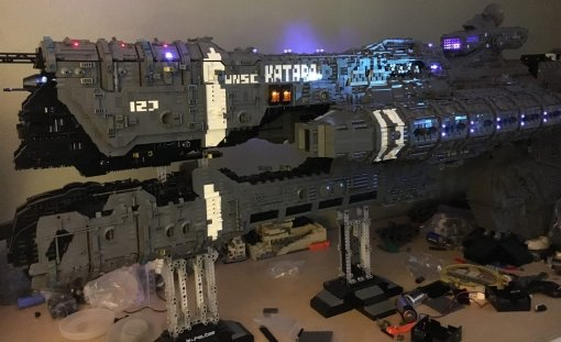 Фанат Halo потратил 5 лет и25 тысяч деталек LEGO, чтобы собрать корабль изигры