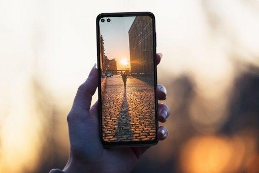 Анонс Motorola One 5G— средний класс сэкраном 90 Гцизавышенным ценником