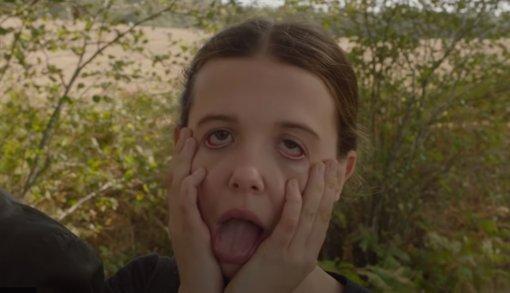 Милли Бобби Браун иГенри Кавилл дурачатся насъемках «Энолы Холмс»— это видео снеудачными дублями