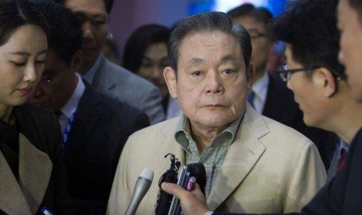 Умер босс Samsung ЛиГонХи. Онсделал компанию международным гигантом