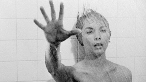 Вчесть юбилея «Психо» культовую сцену субийством вдуше пересняли с60 актрисами