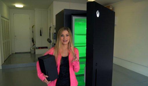 Блогерка распаковала холодильник встиле Xbox SeriesX. Оноткрывается созвуком
