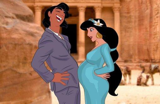 Российская художница изобразила беременных принцесс Disney