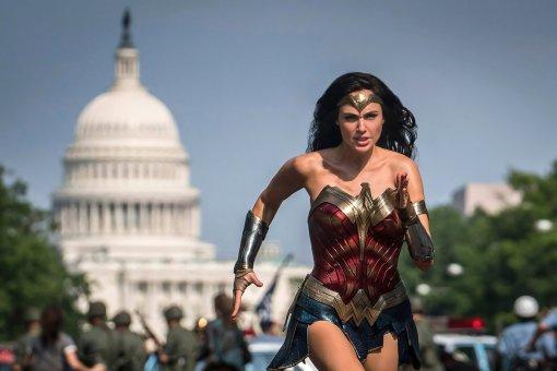 «Чудо-женщина: 1984» может появиться всети почти сразу после премьеры