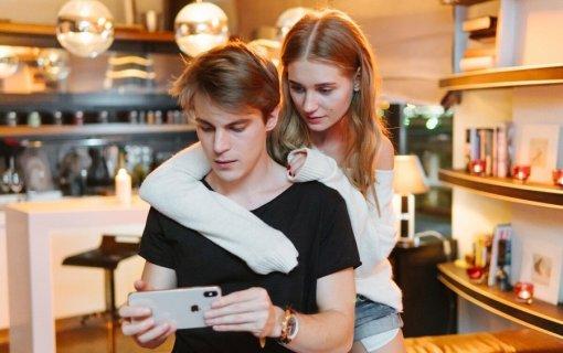 Хуже, чем ипотека иразвод: россияне рассказали острахе остаться без смартфона