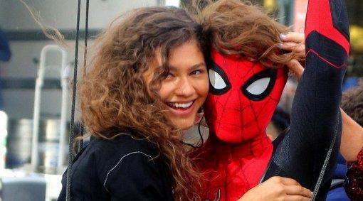 Зендея прокомментировала слух опоявлении Тоби Магуайра иЭндрю Гарфилда в«Человеке-пауке3»