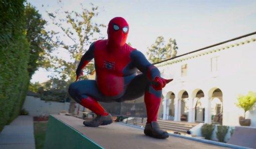 Видео дня: Джек Блэк танцует тверк вобтягивающем костюме Человека-паука