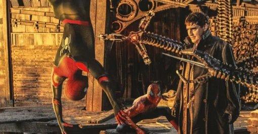 «Человек-паук 3»: Тоби Магуайр, Эндрю Гарфилд иТом Холланд против Доктора Осьминога. Это фан-арт