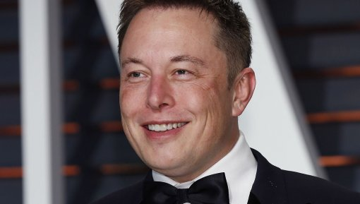 Илон Маск стал самым богатым бизнесменом вмире. Онневерит вэто