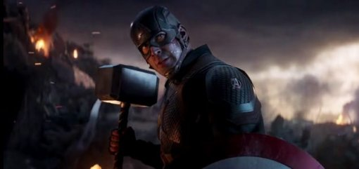 «Мстители»: Крис Эванс чувствовал себя ребенком, когда поднимал молот Тора