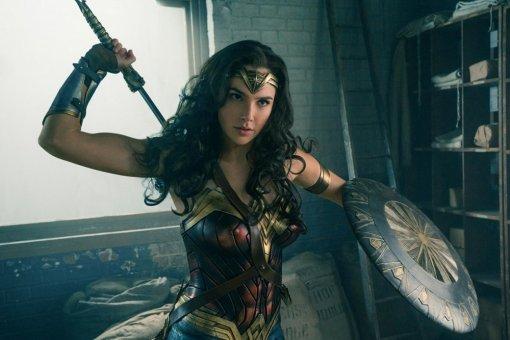Зак Снайдер рассказал, как выбрал Галь Гадот нароль Чудо-женщины. Актриса хотела покинуть Голливуд
