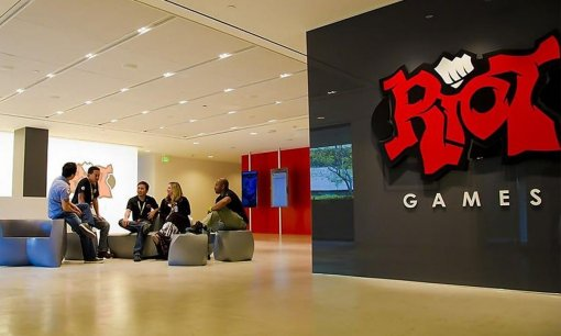 Генерального директора Riot Games обвинили в сексуальных домогательствах