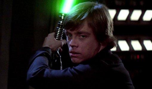 «Звездные войны»: Марк Хэмилл рассказал, что кринжует отмема про Люка Скайуокера