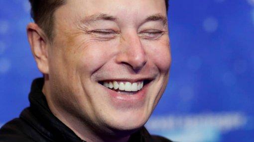 Илон Маск по-русски прокомментировал арест пытавшегося взломать Tesla россиянина
