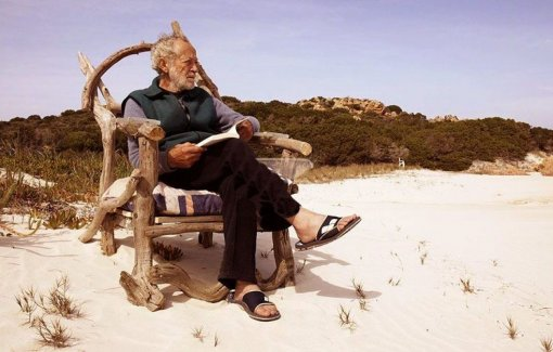 Итальянский «Робинзон Крузо» покинет остров, где он жил 30 лет, по требованию властей
