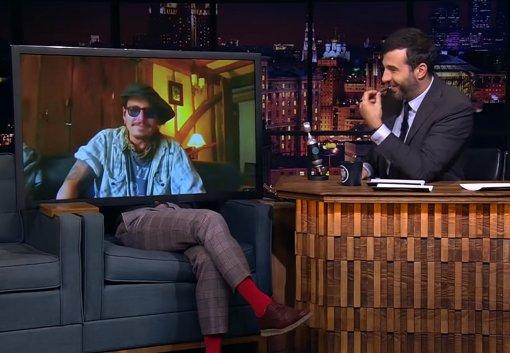 Джонни Депп «пришёл» на шоу «Вечерний Ургант» и рассказал о своей любви к Владимиру Маяковскому