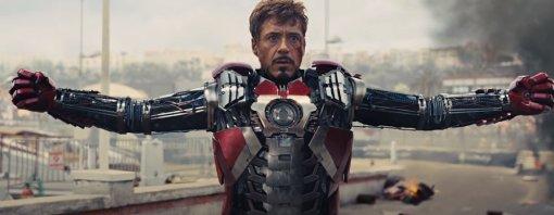 Hot Toys представила новую детализированную фигурку Тони Старка, надевающего костюм