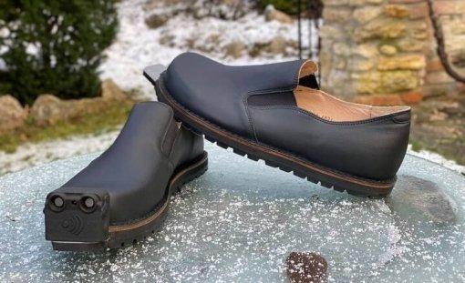 Австралийский стартап представил обувь для слабовидящих за 288 тысяч рублей