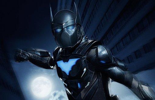 Появилось новое фото брони Бэтвинга изсериала «Бэтвумен» покомиксам DC