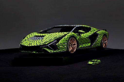 Lamborghini воссоздали изкубиков LEGO вполном размере