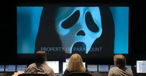 Появился новый кадр слэшера «Крик 5» сПризрачным лицом
