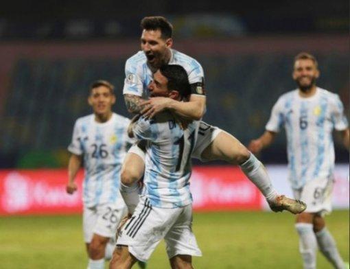 Аргентина обыграла Бразилию— Месси взял первый трофей засборную