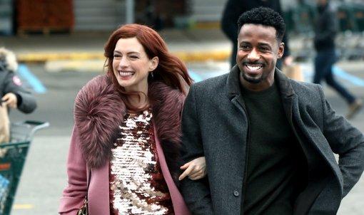 Amazon выпустил трейлер второго сезона «Современной любви» с Китом Харингтоном